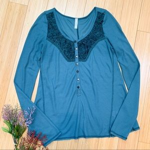 FREE PEOPLE Diego thermal waffle weave shirt, M.